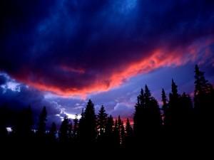 Cielo rojo y azul