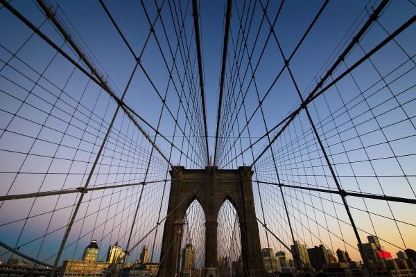 Así se sostiene el Puente de Brooklyn, en Nueva York