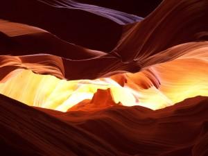 Juego de luces en el Cañón del Antílope (Arizona)