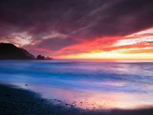 Puesta de sol en Rockaway Beach (California)