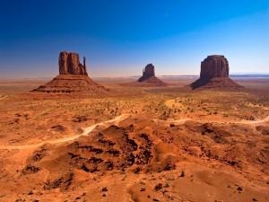 Valle de los Monumentos, dentro de la reserva de los nativos navajo (Arizona)