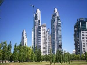 Rascacielos en Puerto Madero (Buenos Aires, Argentina)