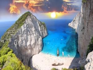Playa exótica en la Isla de Zante (o Zacinto), Grecia