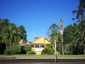 Postal: Una bonita casa en el Delta del Río Paraná (Argentina)