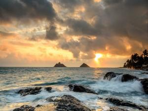 Sol y nubes en Lanikai (Kailua, Hawái)