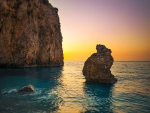 Atardecer en una playa de Milos (Grecia)