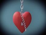 Corazón con cadena y candado