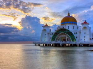 Postal: Mezquita de Malacca Straits (Malasia)