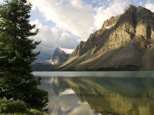 Lago Bow, en el Parque Nacional Banff (Alberta, Canadá)