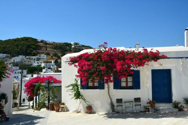 Lefkes, un pueblo en la isla de Paros, Grecia