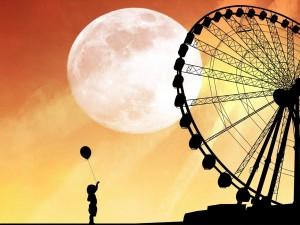 Postal: Niña en la feria, en una noche de luna llena