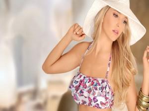 Postal: La actriz, cantante y modelo Luisana Lopilato