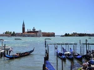 Postal: Venecia y sus góndolas