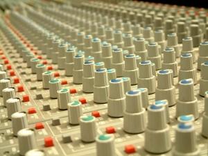 Postal: Complejo panel de control de sonido