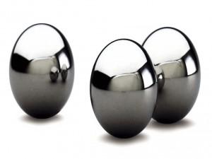 Huevos de metal
