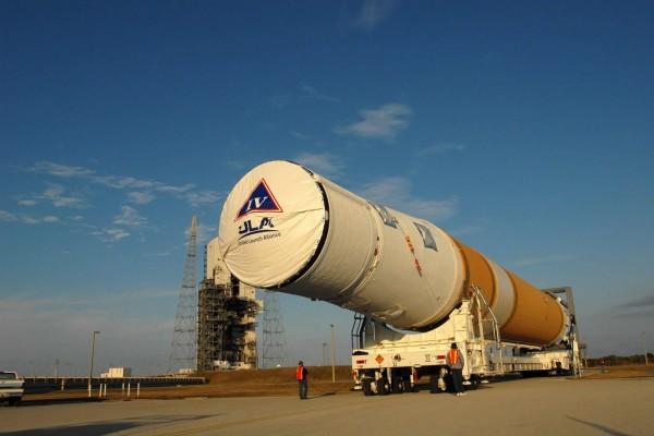 Transporte del cohete Delta IV (NASA)