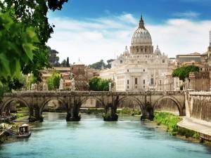 Puente Sant'Angelo (Puente de Adriano) en Roma, Italia