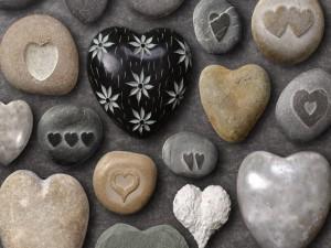 Piedras y corazones