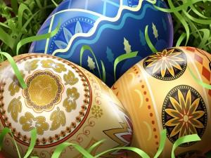 Postal: Huevos de Pascua con bonitos diseños