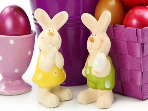 Postal: Conejitos y huevos de Pascua