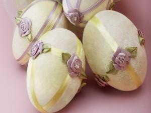Postal: Huevos de Pascua hechos en tela