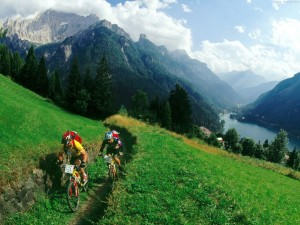 Postal: Ruta en bici por la montaña