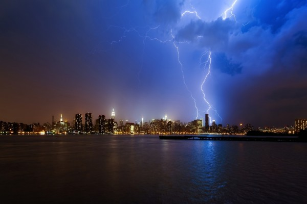 Tormenta eléctrica sobre la ciudad de Nueva York