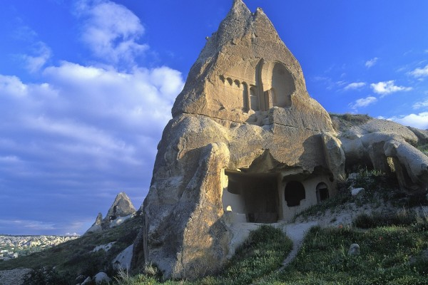 Casa dentro de una roca, en Turquía