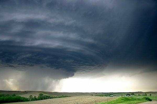 Un enorme tornado