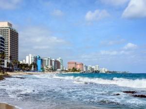 Postal: Playa turística en San Juan (Puerto Rico)