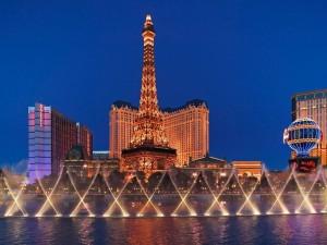 La Torre Eiffel vista desde el Hotel-Casino Bellagio, Las Vegas, Nevada (USA)