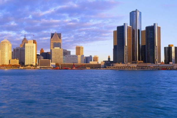 Amanecer en Detroit, Míchigan