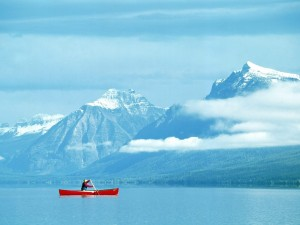 Postal: Piragüismo en el Parque nacional de los Glaciares, Montana, EE.UU.