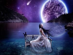 Postal: Hada bajo un cielo púrpura