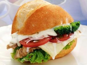 Postal: Bocadillo de brócoli con queso
