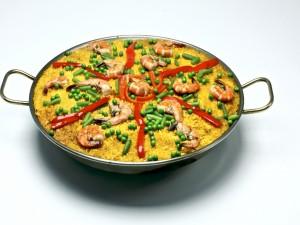 Paella con langostinos y verduras
