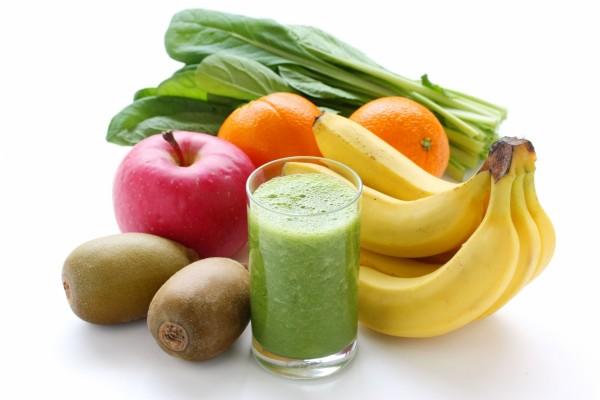 Zumo de frutas y verduras, rico en vitaminas