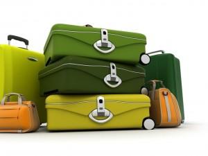 Postal: Maletas de viaje de colores