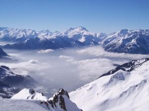 Los Alpes cubiertos de nieve