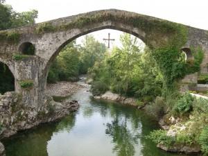 Puente romano de Cangas de Onís, Asturias, España