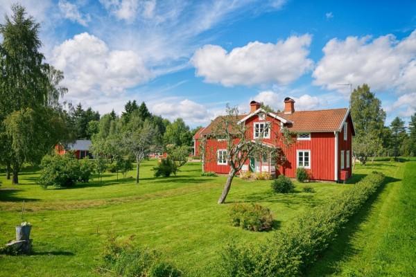 Casa de campo con amplias zonas verdes
