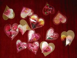 Postal: Corazones con flores