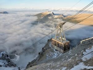 Teleférico del Monte Seceda, en los Dolomitas (Italia)