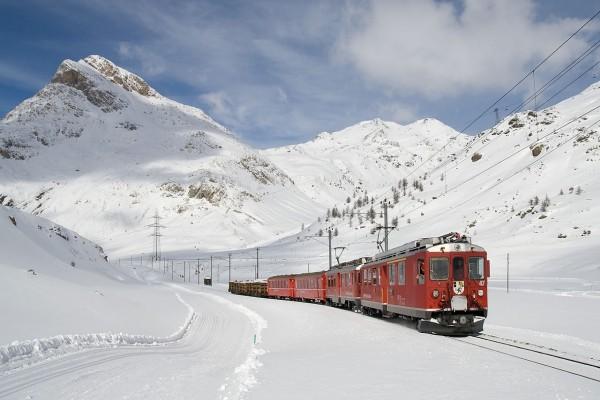 Tren en la línea de Bernina Express, Suiza