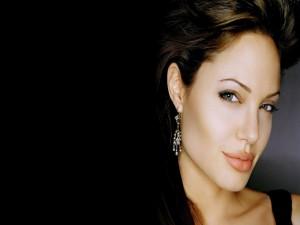 La mirada de Angelina Jolie