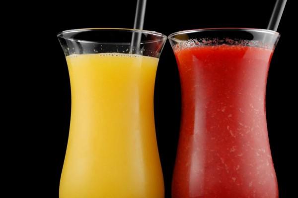 Copas con zumo de mango y fresa