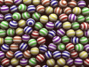 Postal: Bolas a rayas de varios colores
