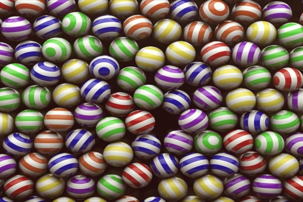 Bolas a rayas de varios colores