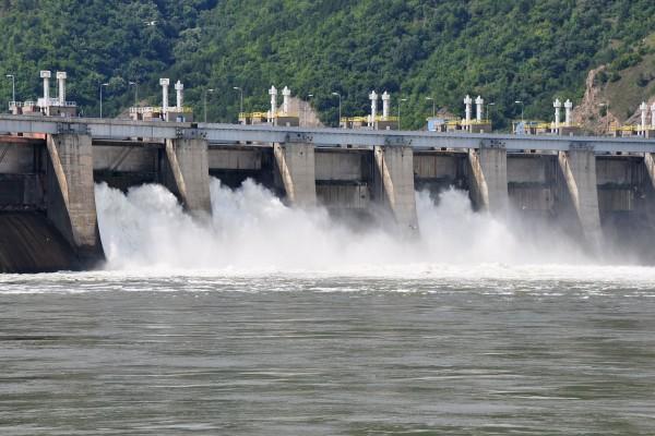 Presa de las Puertas de Hierro en el río Danubio (Serbia-Rumania)