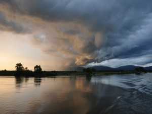 Tormenta sobre el Danubio